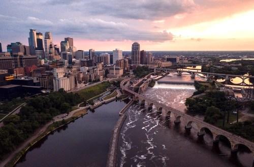 Anthony Bourdain in Minneapolis Hero