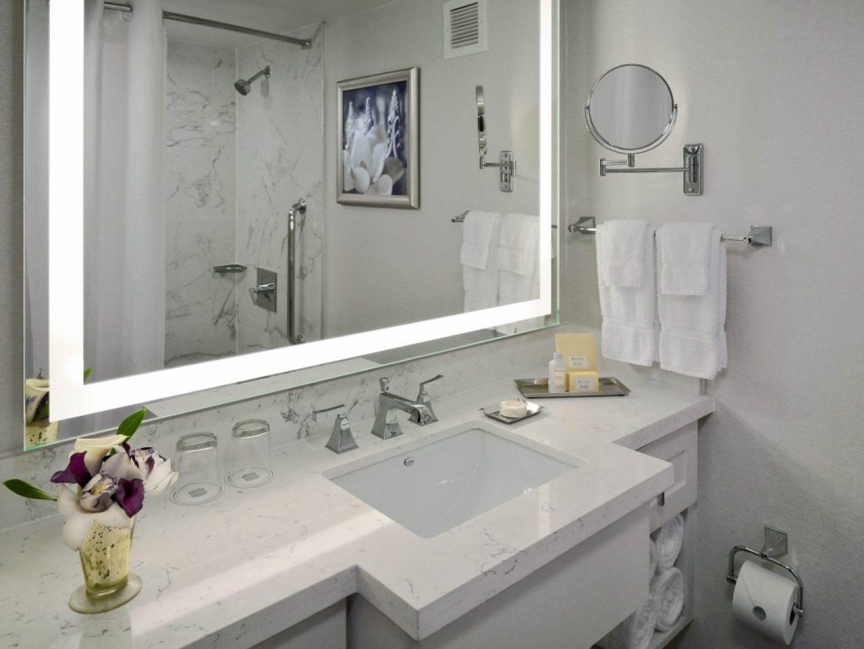70063930-H1-NEW_Standard_Bathroom