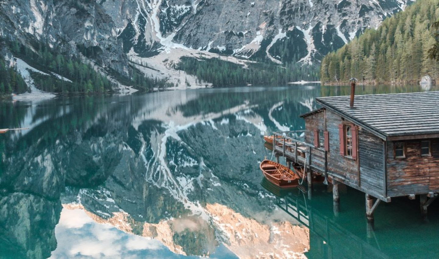 European bucket list destination in Italy, Lago di Braies.