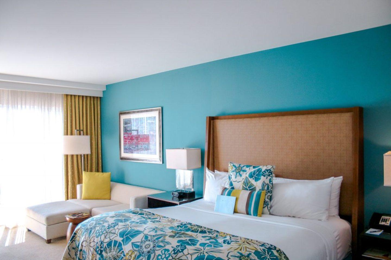 where to stay in aruba - ritz carlton guest room