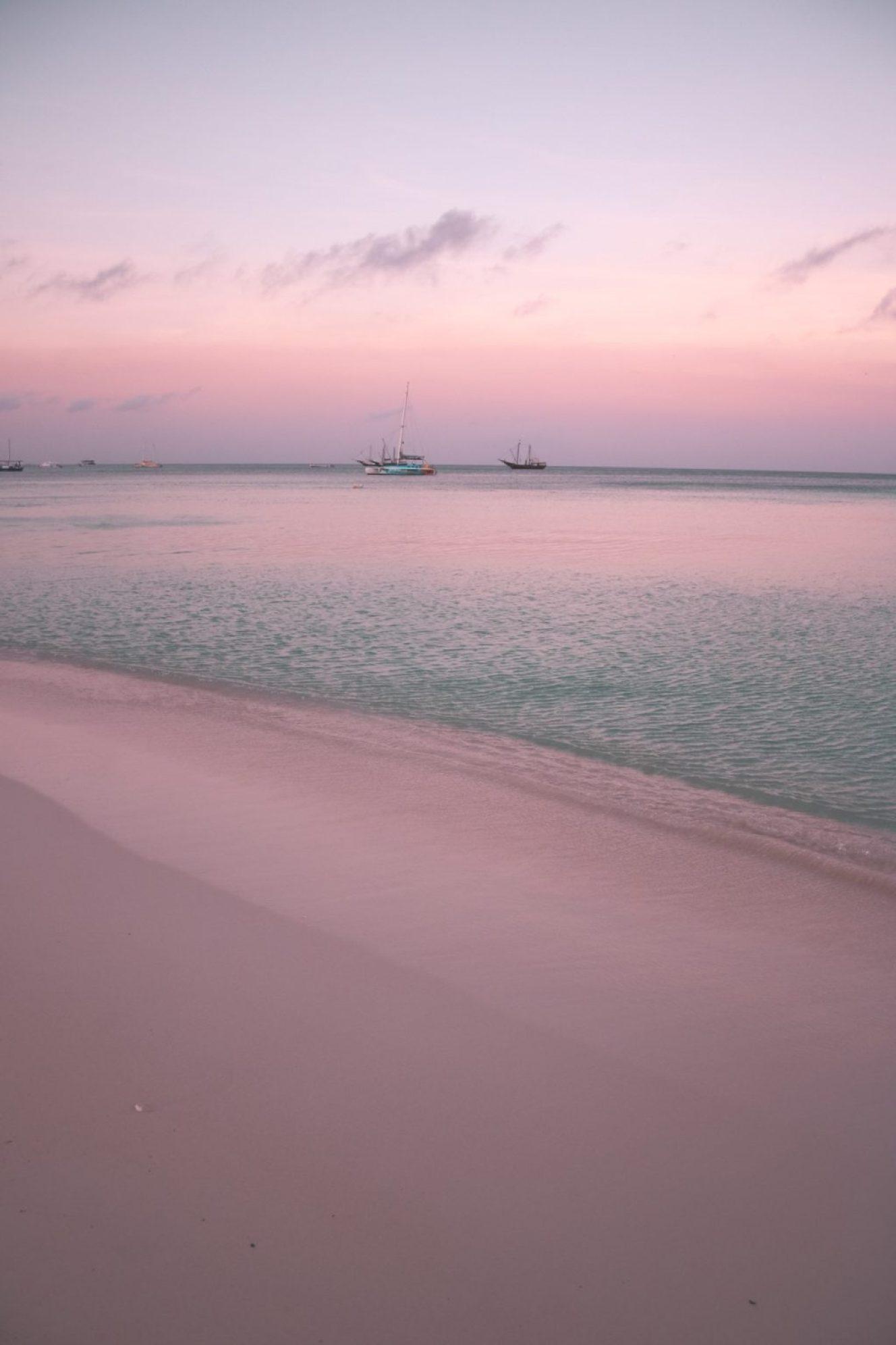 where to stay in aruba - ritz carlton - best sunset views