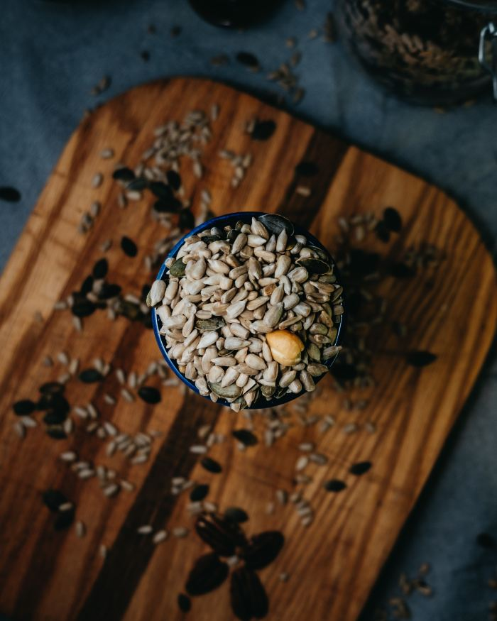 pumpkin and sunflower seeds for hormone balance