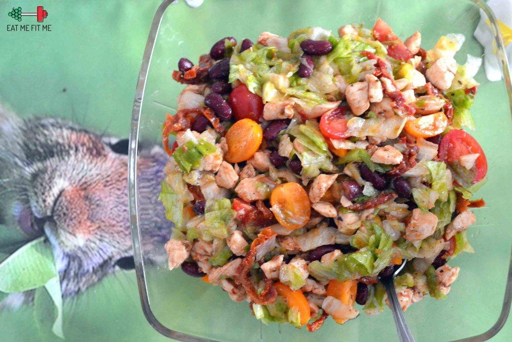 Odchudzona Salatka Gyros Z Kurczakiem I Suszonymi Pomidorami Eat