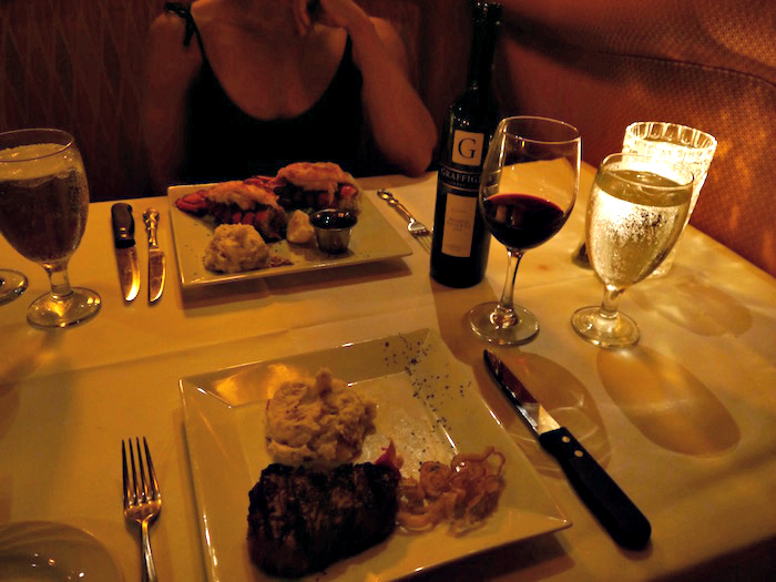 Thoroughbred's dinner entrees