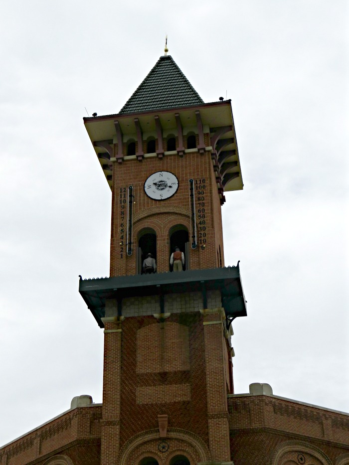 grapevine-tx-glockenspiel-clock-tower