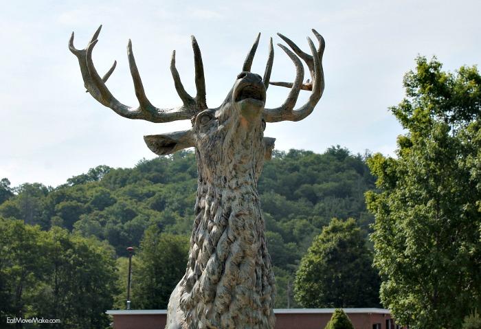 elk-statue-banner-elk-nc