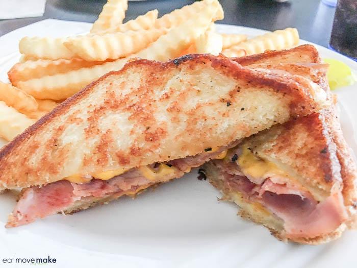 Doc Taylor's restaurant - Rudee Inlet sandwich
