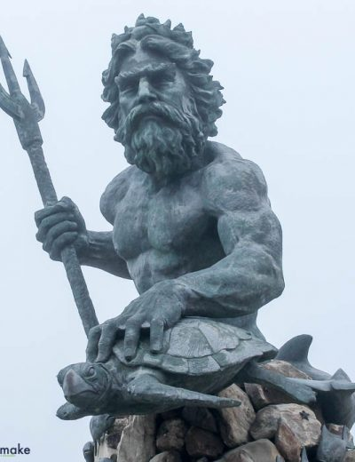 A statue of King Neptune