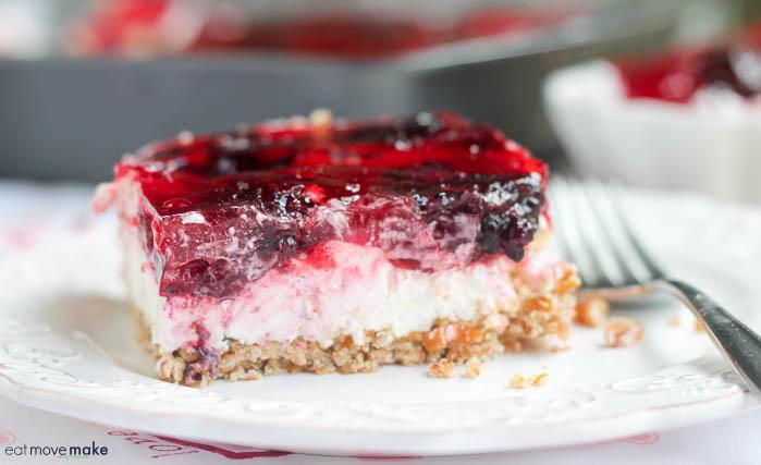 raspberry pretzel dessert bar