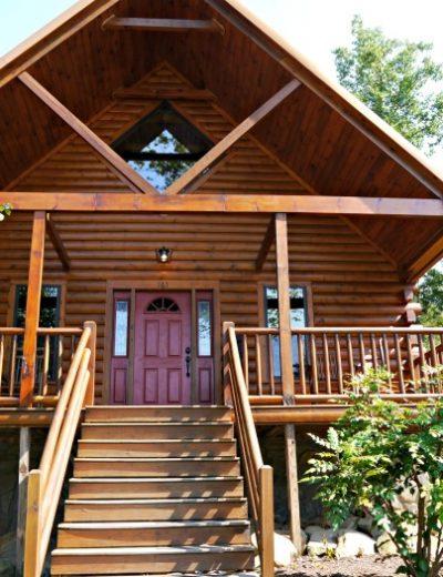White Oak Lodge Resort cabin front porch