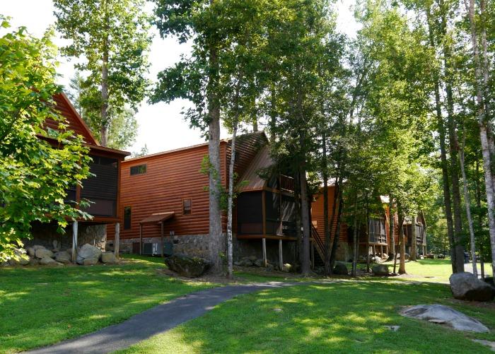 White Oak Lodge Resort cabins