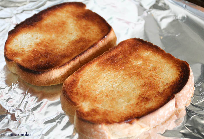 toasted thick cut bread