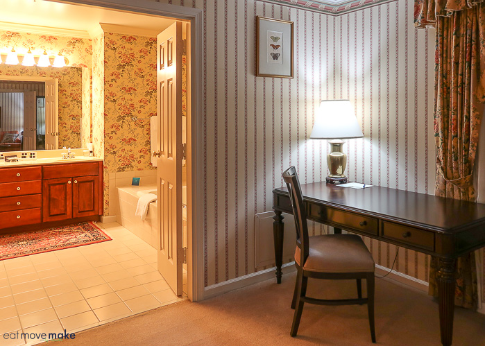 Carnegie Inn and Spa desk and bathroom suite