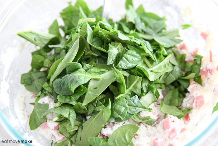 chopped fresh spinach leaves