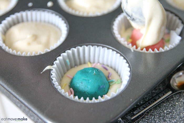 blue cake ball Cupcake