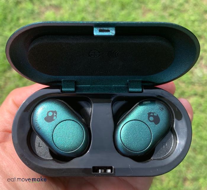 bluetooth earbuds - SkullCandy wireless earbuds
