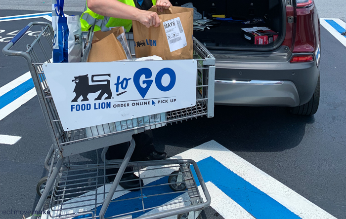 Food Lion To Go sign on cart