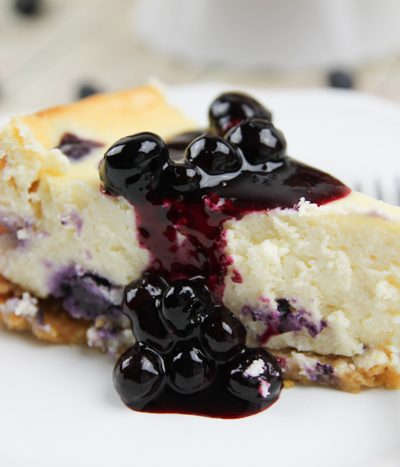 blueberry lemon cheesecake with blueberry topping