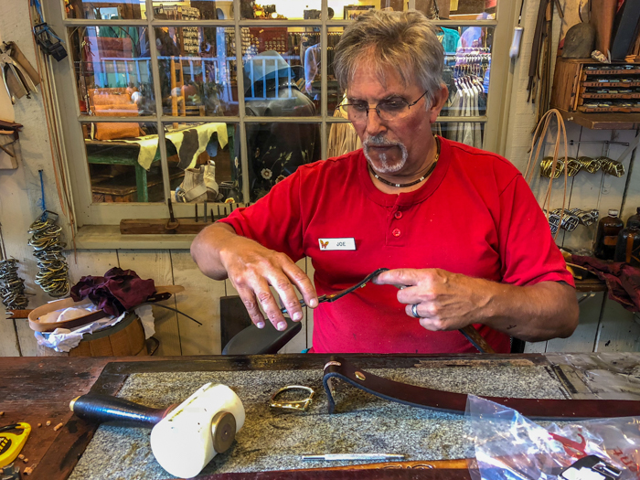 Dollywood artisan