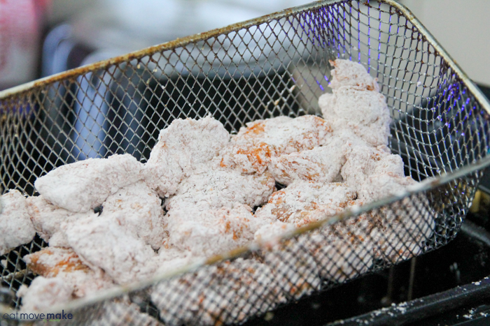 add chicken to fry basket