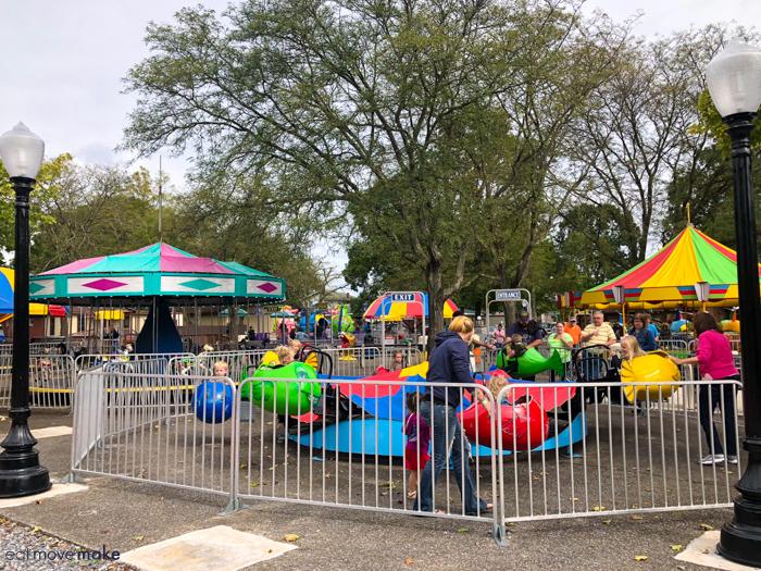kiddie rides at DelGrosso Amusement Park