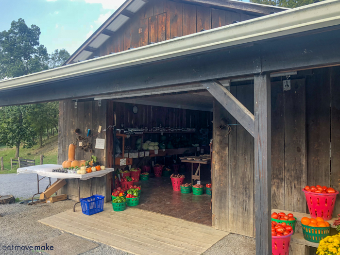 Amish farmers market