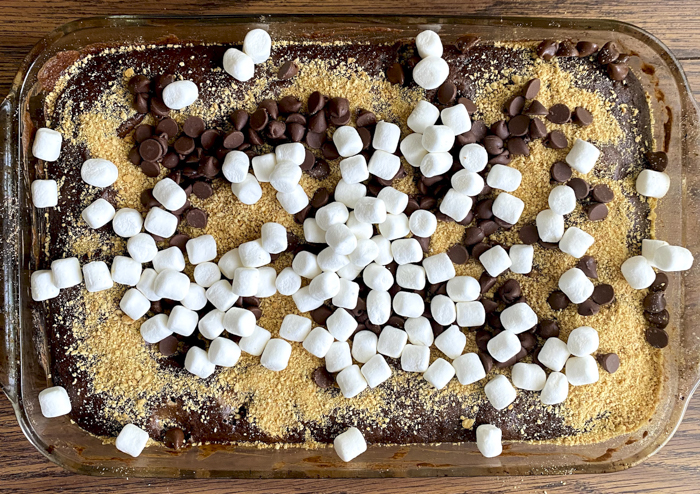 add graham cracker crumbs, chocolate chips and marshmallows