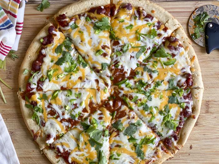 cut chili pizza
