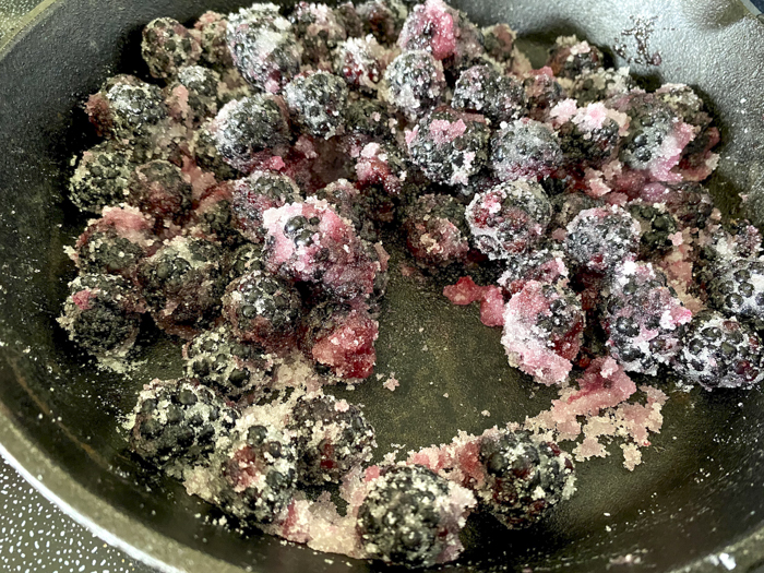 making a blackberry sauce