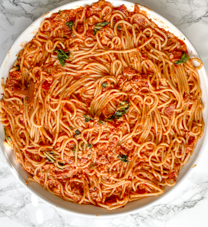 smooth spicy spaghetti pie ingredients into baking pan