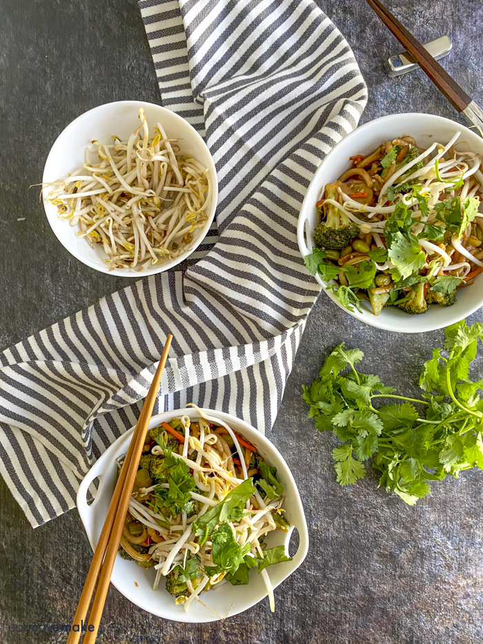 bowls of japanese pan noodles