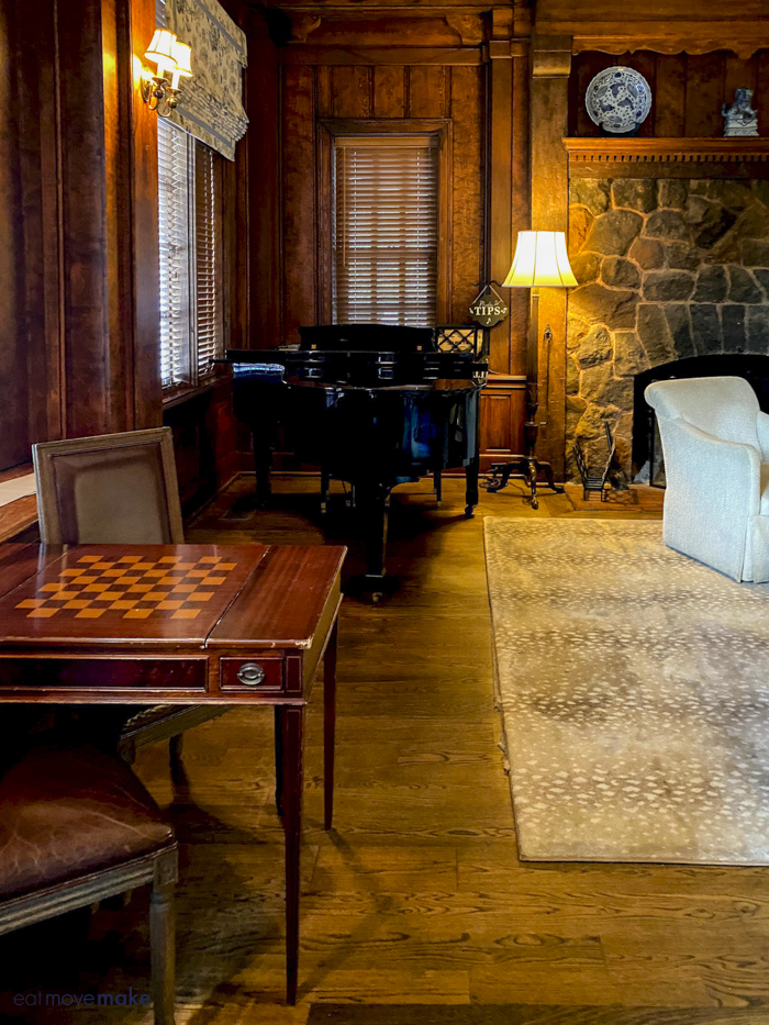 checkerboard table and piano in the Willcox