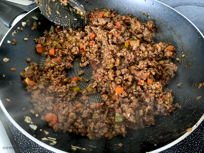 cooked ground beef in pan