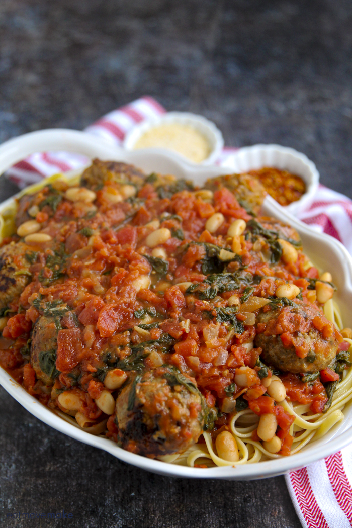spinach tomato pasta with meatballs