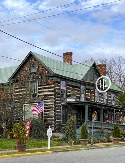 Log House 1776 Restaurant
