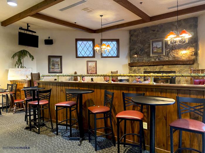 Wohlfahrt Haus bar-restaurant
