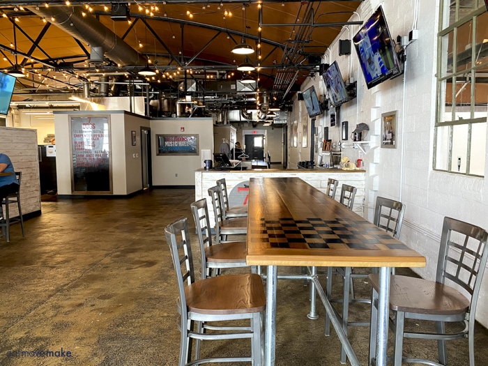 inside 7 Dogs Brewery