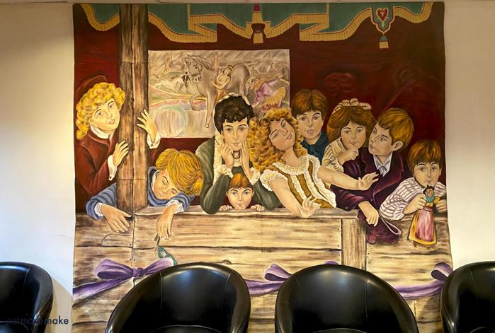 mural at Wohlfahrt Haus