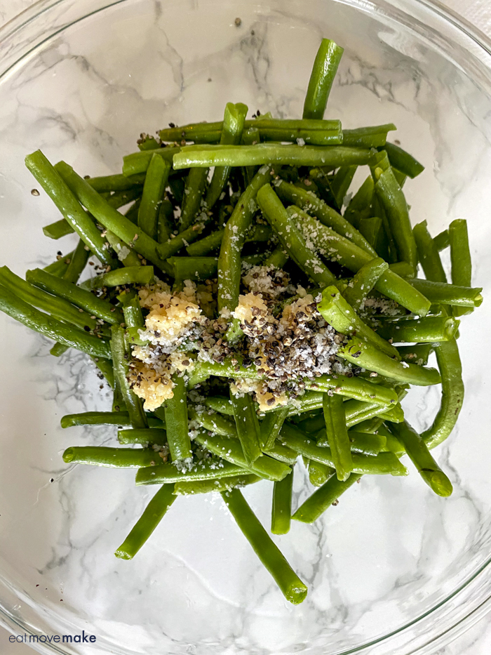 green beans with seasoning