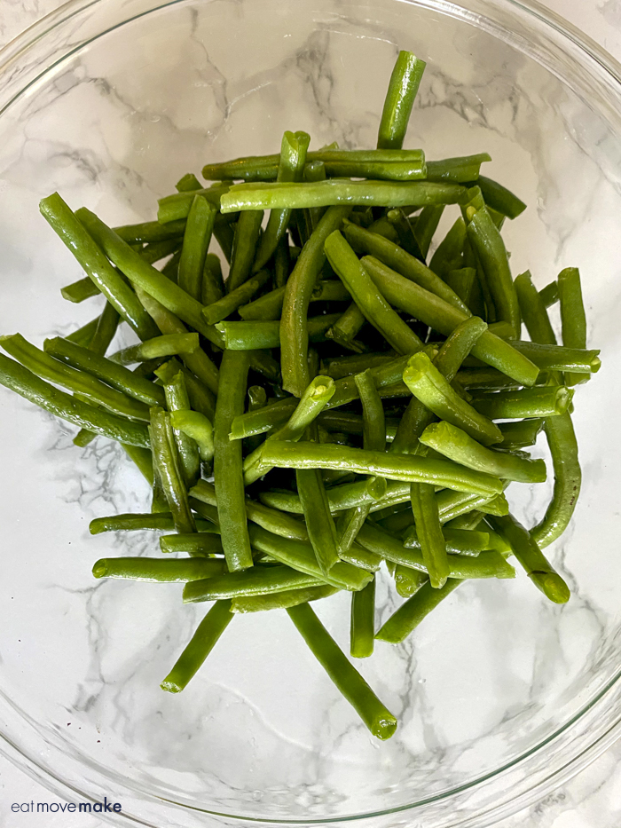 washed, snapped green beans