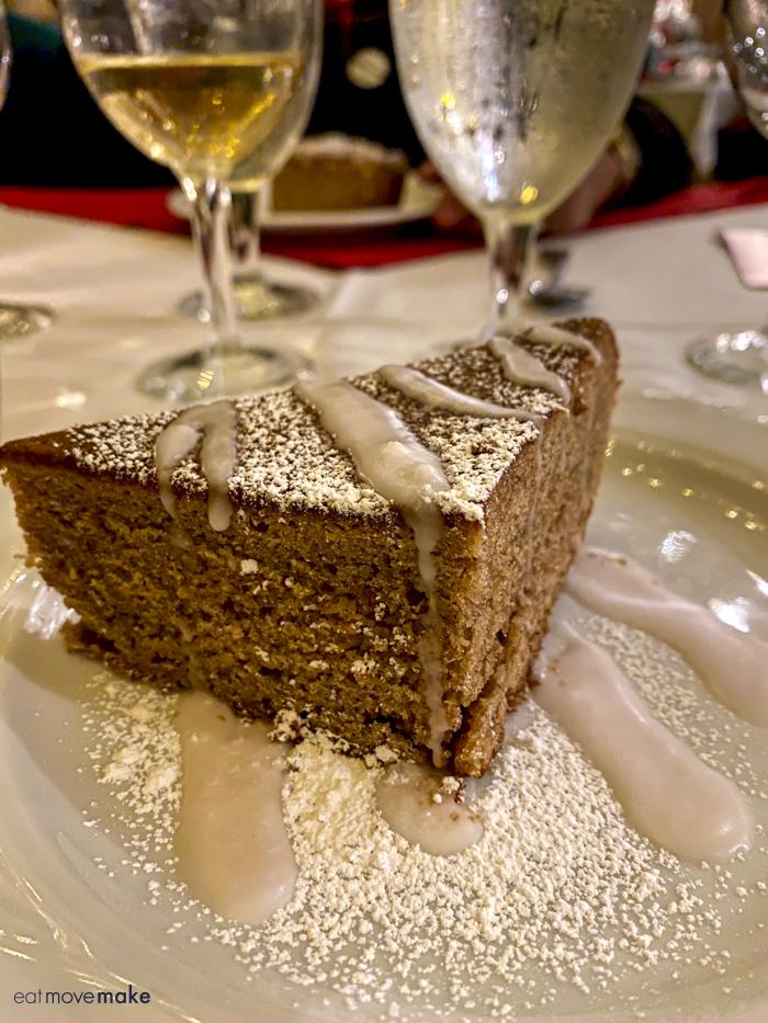 muscadine spice cake