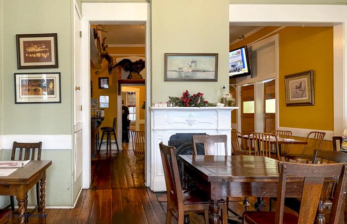 Walnut HIlls dining room