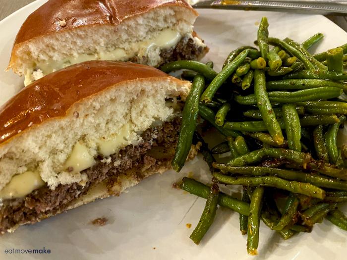 burger at 10 South