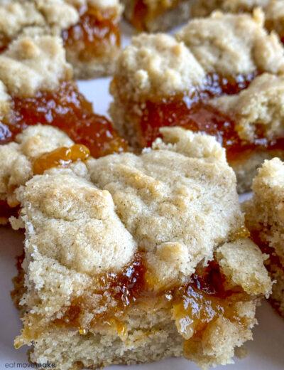 close-up apricot jam bars