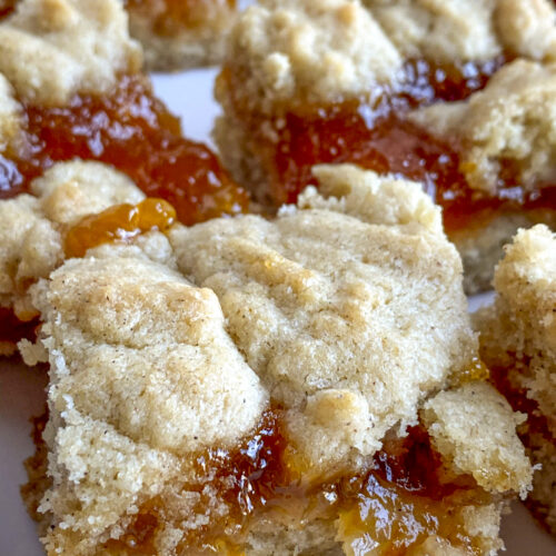 close-up apricot jam bars