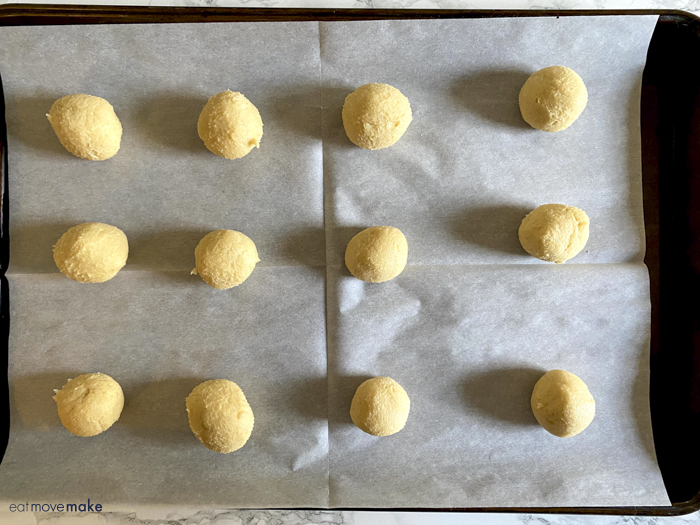 dough ball rounds on cookie sheet