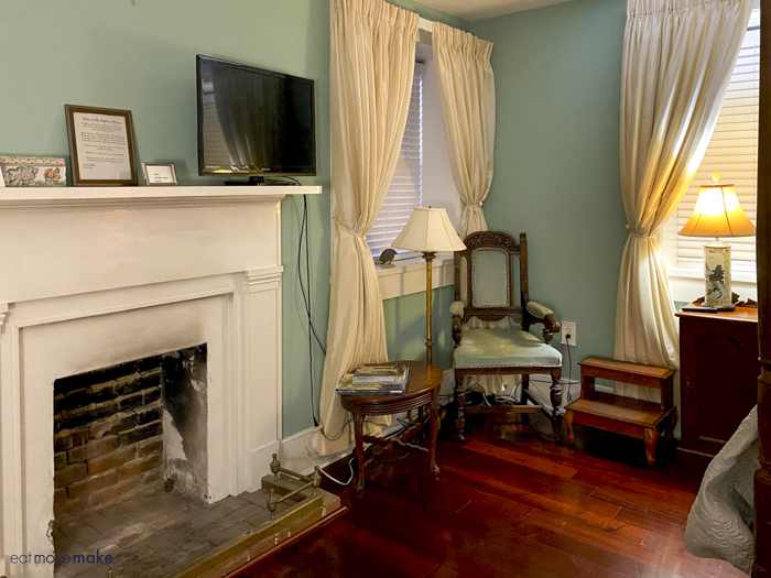 inside Camellia room