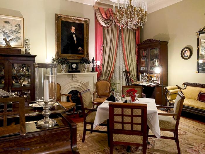 parlor in Anchuca Mansion