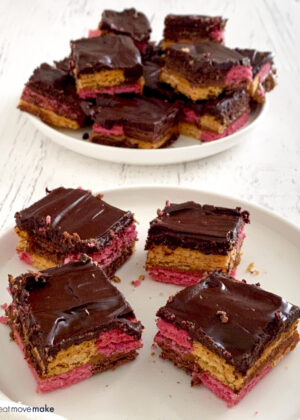 chocolate caramel wafer bars on plates