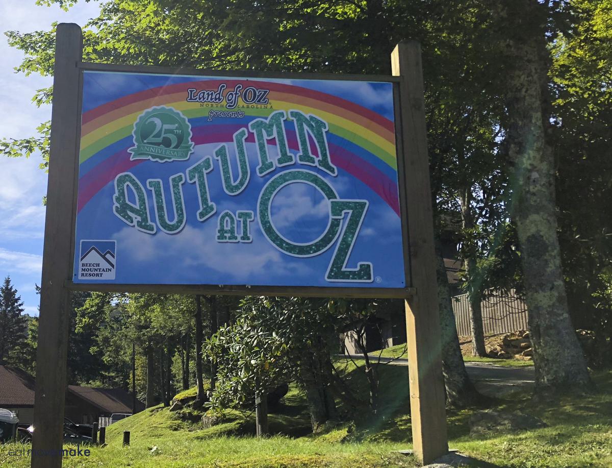 Autumn at Oz sign